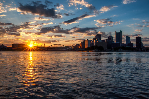 pittsburgh pa river ohioriver alleghenyriver sunrise alleghenycounty starburst nikon d5000 fortduquesnebridge westernpa