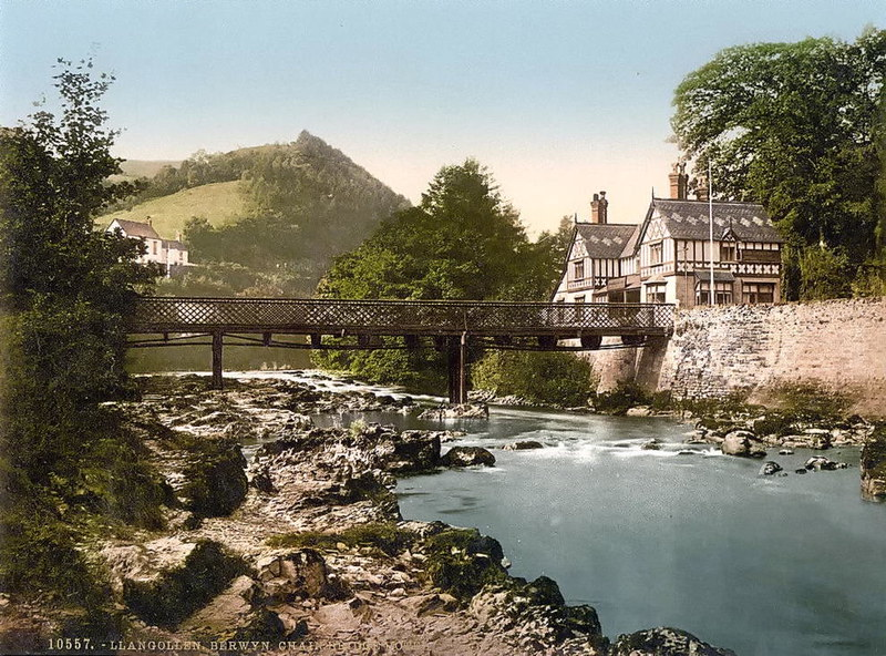 Chain Bridge Hotel, Berwyn Valley, Llangollen
