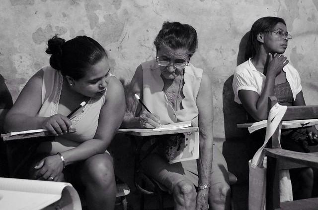Por meio do método 'Sim, Eu Posso!',  adultos e adolescentes aprendem a ler e a escrever - Créditos: Governo do Maranhão / Site