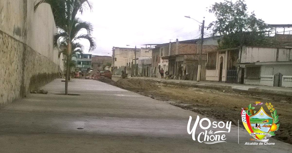 Municipalidad continúa con los trabajos en la calle 24 de Mayo