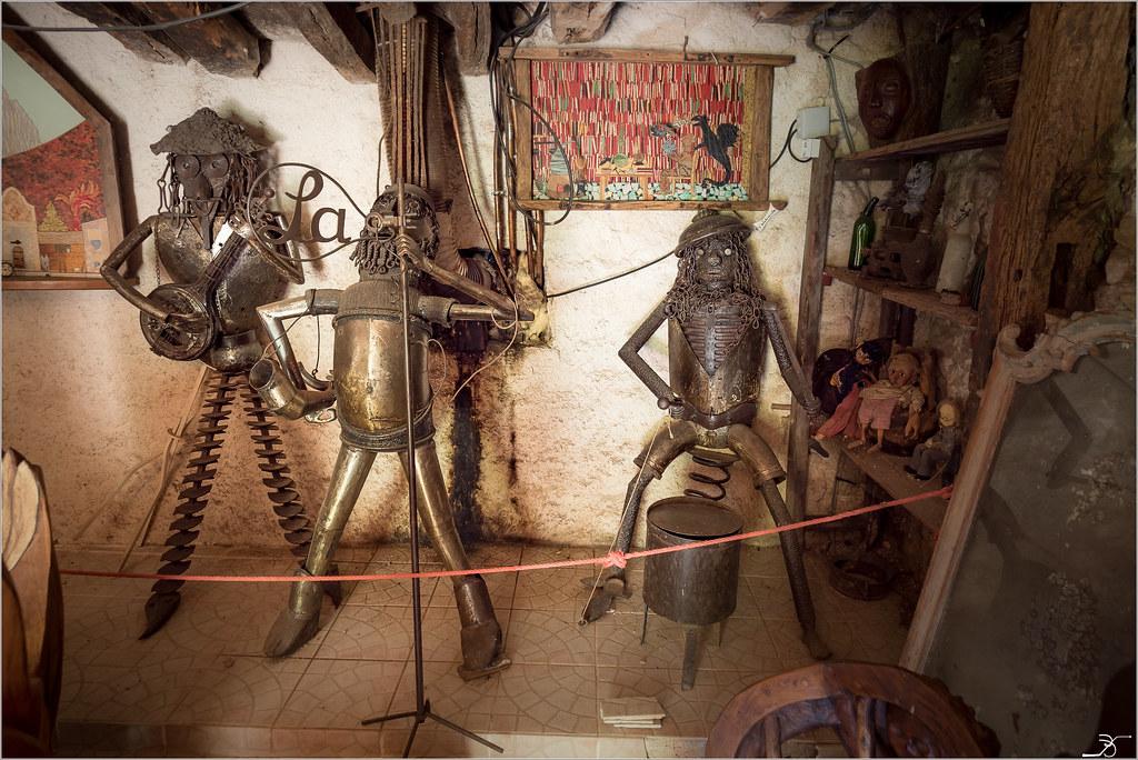 Musée de l'insolite p2 35690844046_b9e430f604_b