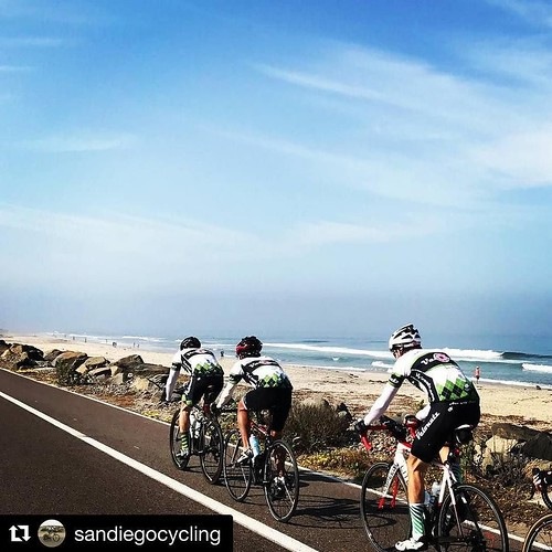 #Repost @sandiegocycling (@get repost) ・・・ Velonutz coastal ride. Photo courtesy of @hbanagatri23 #velonutz #bike #ride #cycling #sandiego #beach #sdlife