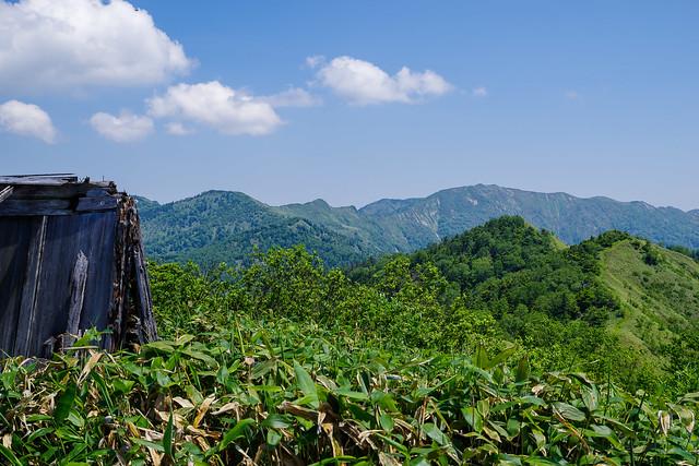 白砂山と稜線を眺める@八間山
