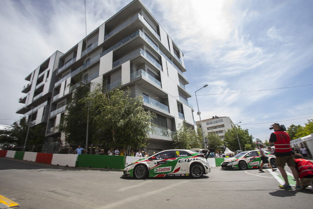 18 MONTEIRO Tiago (prt) Honda Civic team Castrol Honda WTC action during the 2017 FIA WTCC World Touring Car Championship race of Portugal, Vila Real from june 23 to 25 - Photo Gregory Lenormand / DPPI