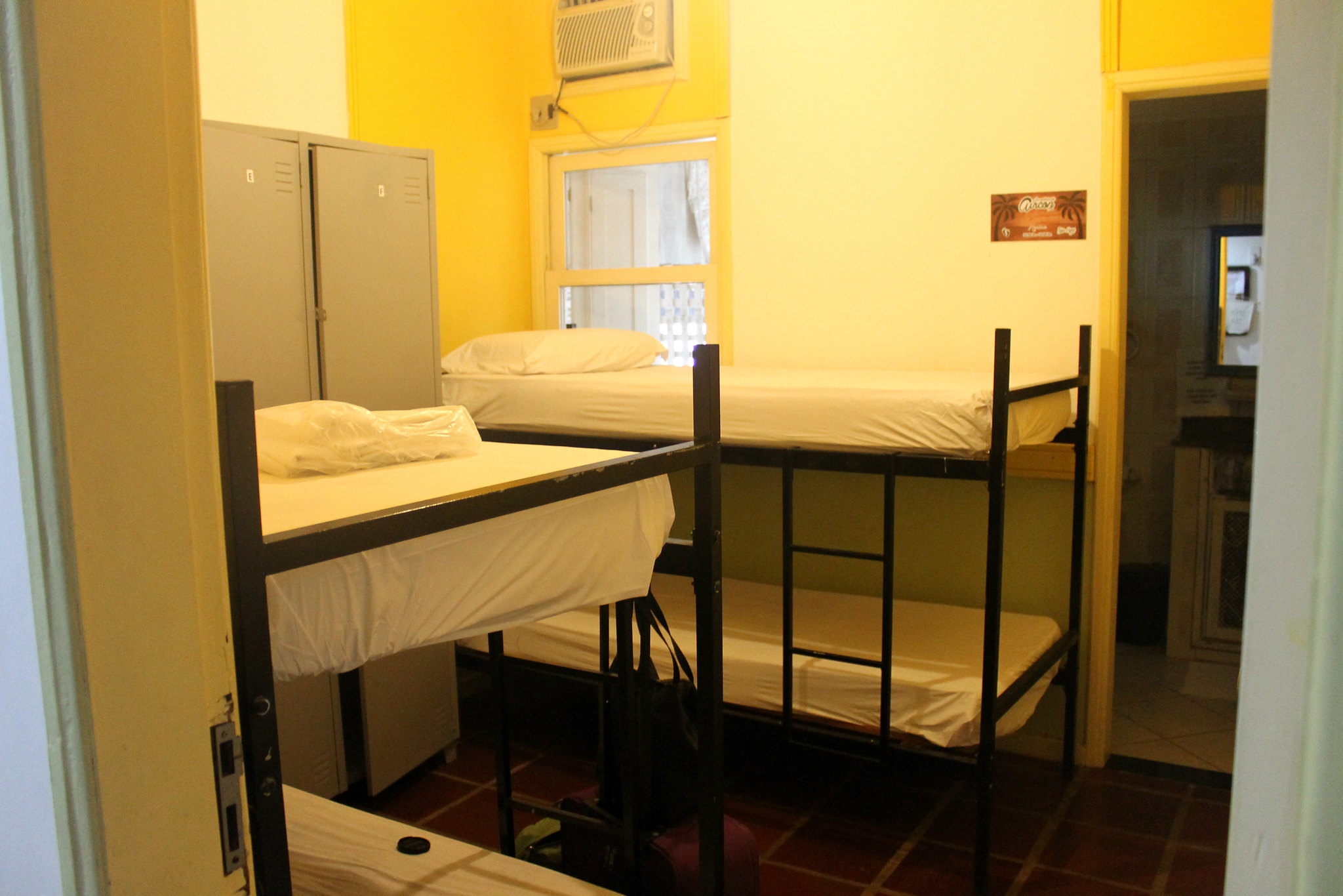 yolo-hostel14v2
