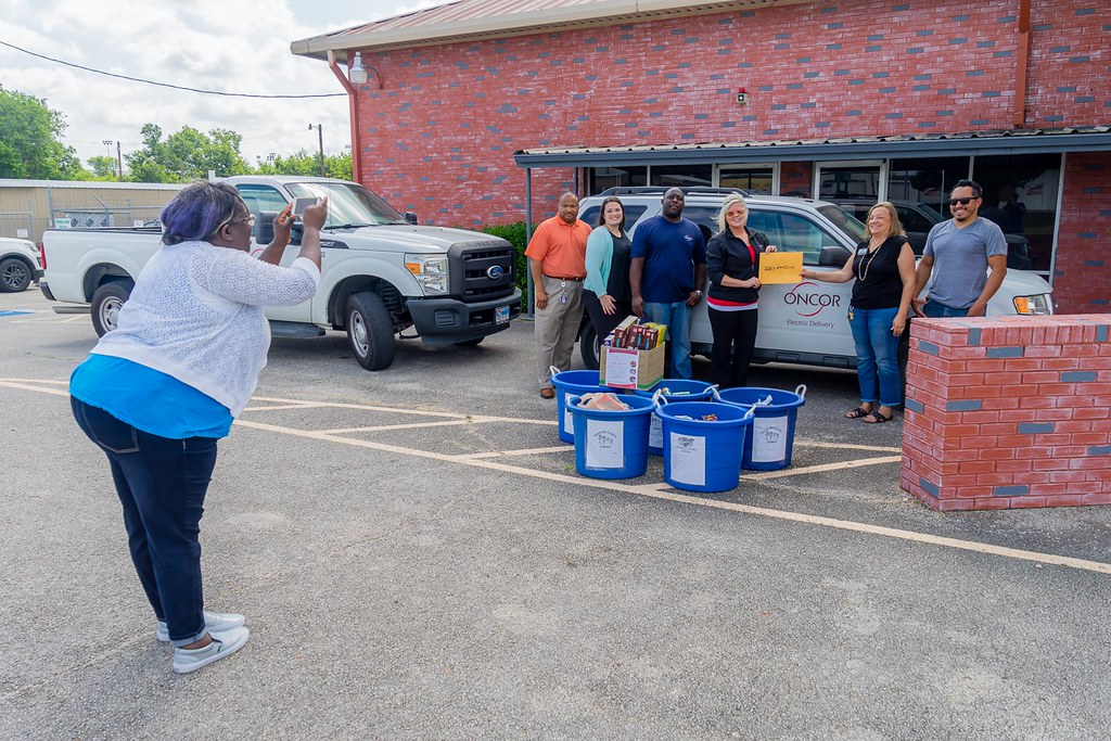 Oncor-Food Drive-North Ellis County-5