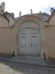 Rue Févret, Semur-en-Auxois - door