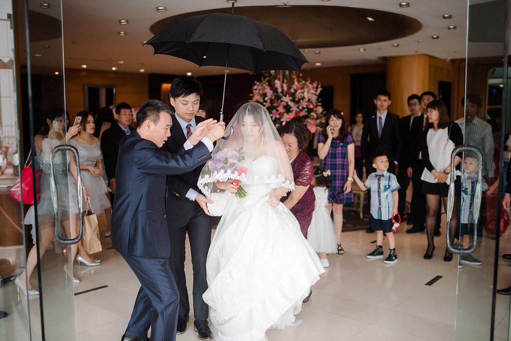 台中婚攝,找婚攝,婚攝ED,婚攝推薦,婚禮紀錄,婚禮記錄,婚攝,婚禮攝影師,新人推薦,婚紗拍攝,最自然的婚紗,隨性婚紗,攝影師推薦,口碑婚攝,婚攝團隊,台灣有口碑攝影師,優質攝影師,台中婚攝,找婚攝,婚攝ED,婚攝推薦,婚禮紀錄,婚禮記錄,婚攝,婚禮攝影師,新人推薦,寶麗金