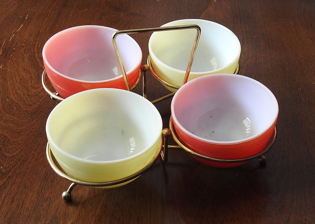 Pyrex Party Set 1960s