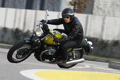 Moto-Guzzi V7 750 Cafe Classic 2010 - 21