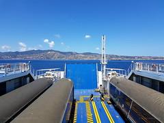 Navigando nello stretto di Messina