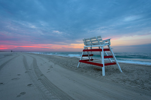 sunrise summer beach sand water shore sky ocean sun clouds serene july coastline lifeguard light nikon nikkor dx d7200 landscape seascape