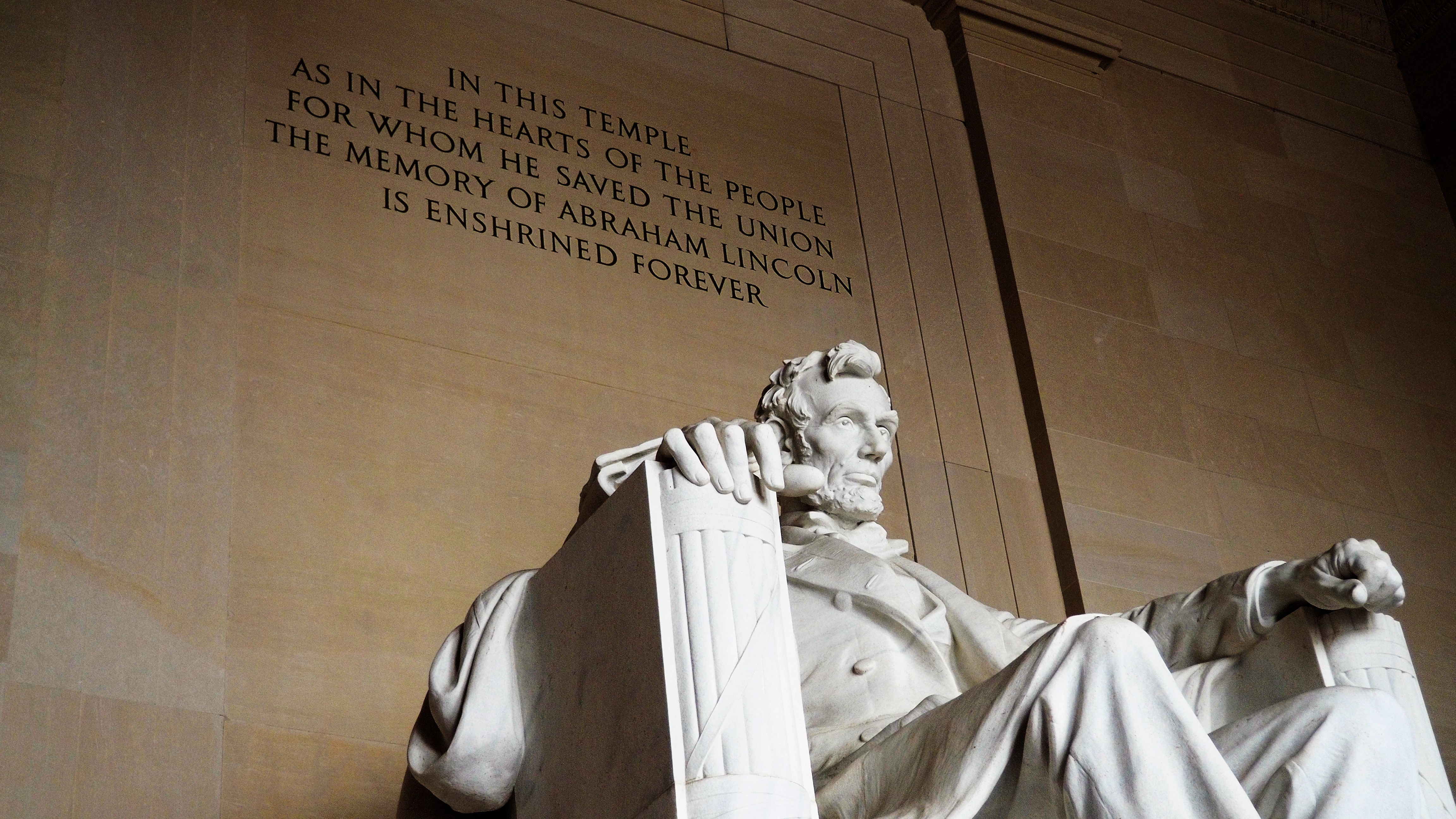 Abraham_Lincoln_Statue_Washington_DC