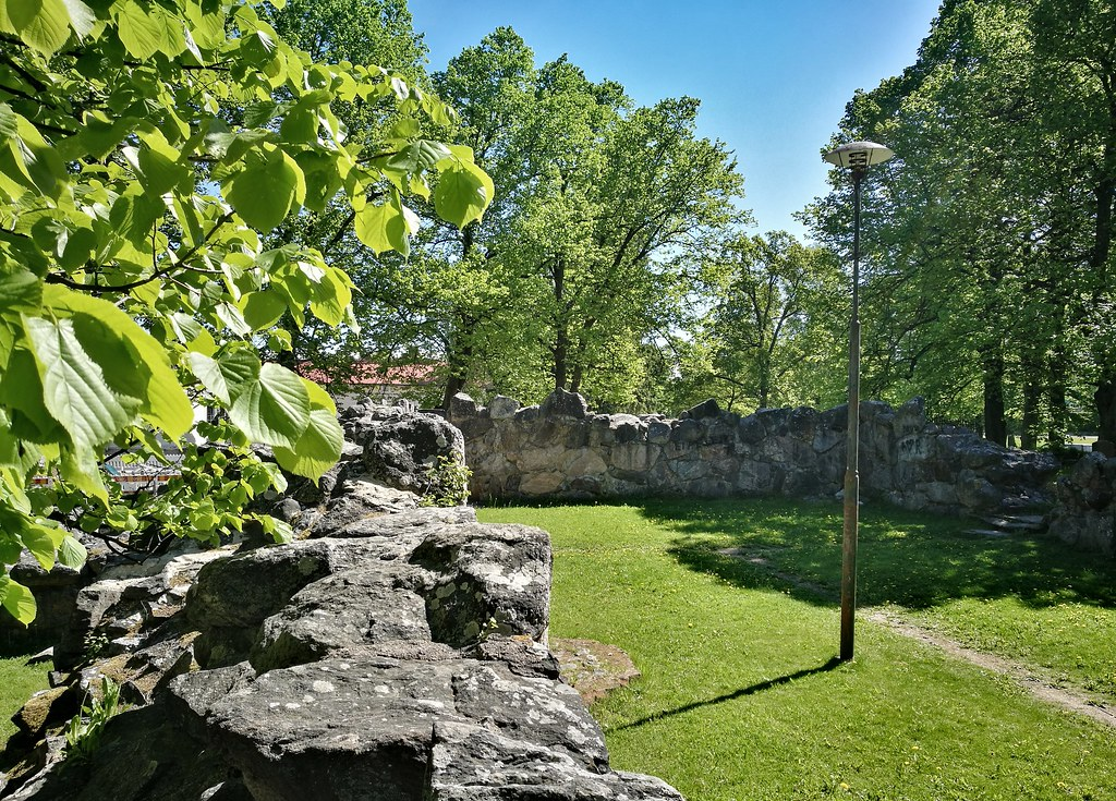 Attractions in Old Rauma - the ruins of the Church of the Holy Trinity