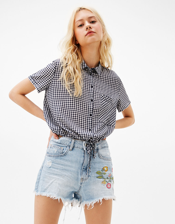Camicia quadri cropped con elastico Bershka