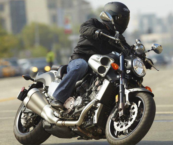 Yamaha 1700 V-MAX 2012 - 24