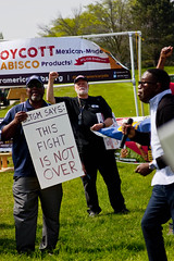 BCTGM Workers Protest Job Outsourcing at Nabisco Shareholders Meeting 5-17-17 7358