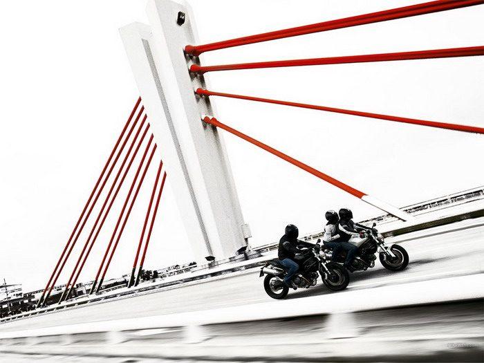 Ducati 696 MONSTER 2008 - 37