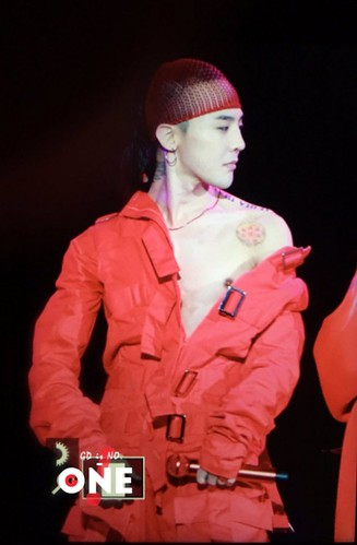 G-Dragon ACT III MOTTE in Seoul (70)
