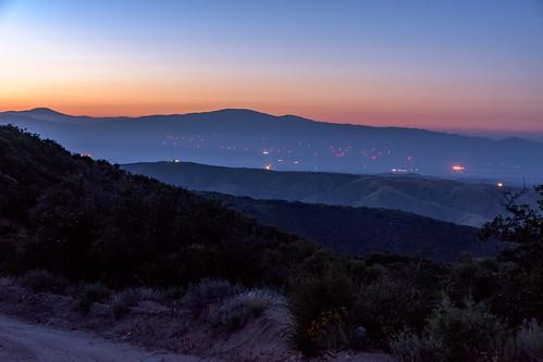 santaclarita california unitedstates sunset grassmountain antelopevalley desert lakehughes nikon d500 us tehachapi windfarm anticollisionlights