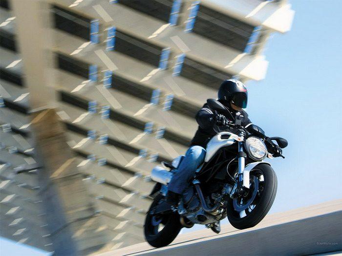 Ducati 696 MONSTER 2008 - 15