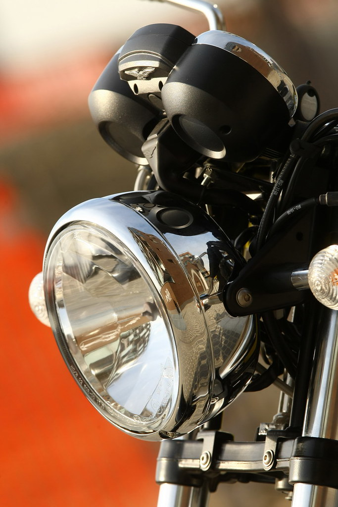 Moto-Guzzi V7 750 Cafe Classic 2010 - 28
