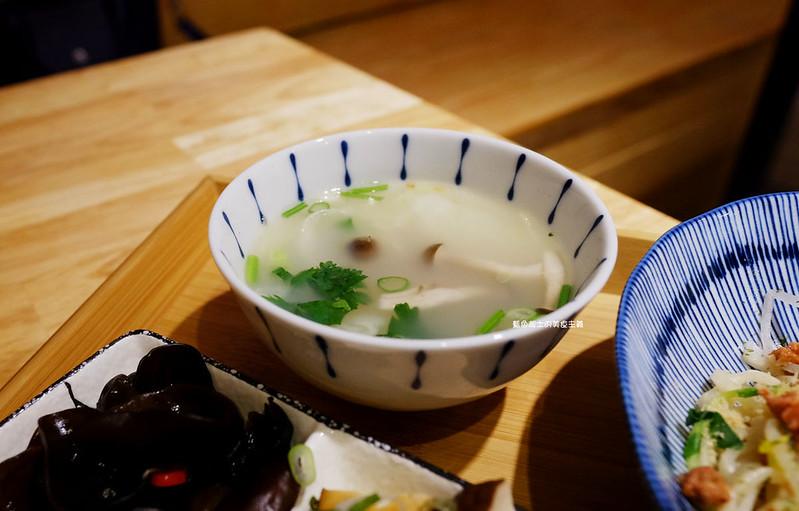 34812947600 7292b8381b c - 誠食堂No More Lies-冰淇淋和麵拌在一起吃耶.麵食飯食湯品.東海別墅商圈美食
