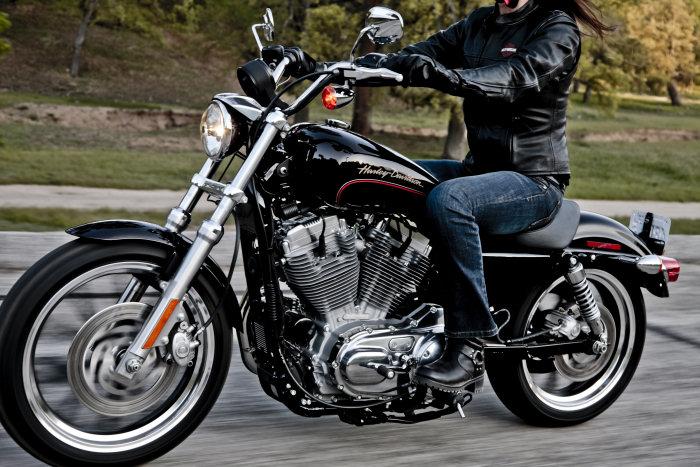 Harley-Davidson XL 883 L Superlow 2011 - 4