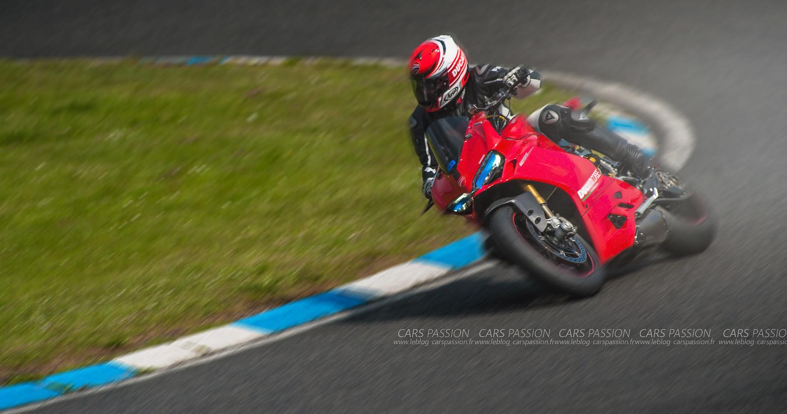 Journée Ducati sur le circuit Carole