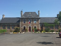 Hambye-Mairie - Photo of Villebaudon