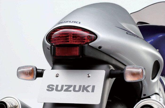Suzuki 1300 GSX-R Hayabusa 2003 - 16