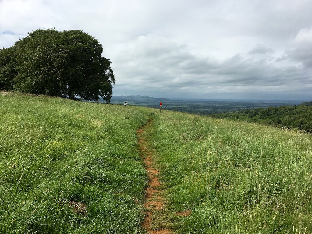 Approaching the Cotswold Escarpment Moreton-in-Marsh Grand Circular walk