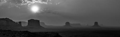 sunset bw usa monumentvalley oljatomonumentvalley arizona étatsunis us panorama