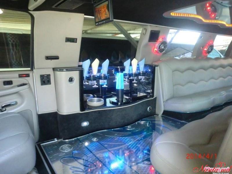 """Прокат лимузинов в Молдове от """"Elitelimo"""" > Cadillac Escalade 2017 Salon"""