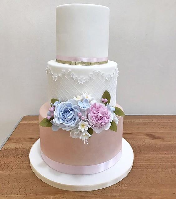 Cake by Purple Cupcakes