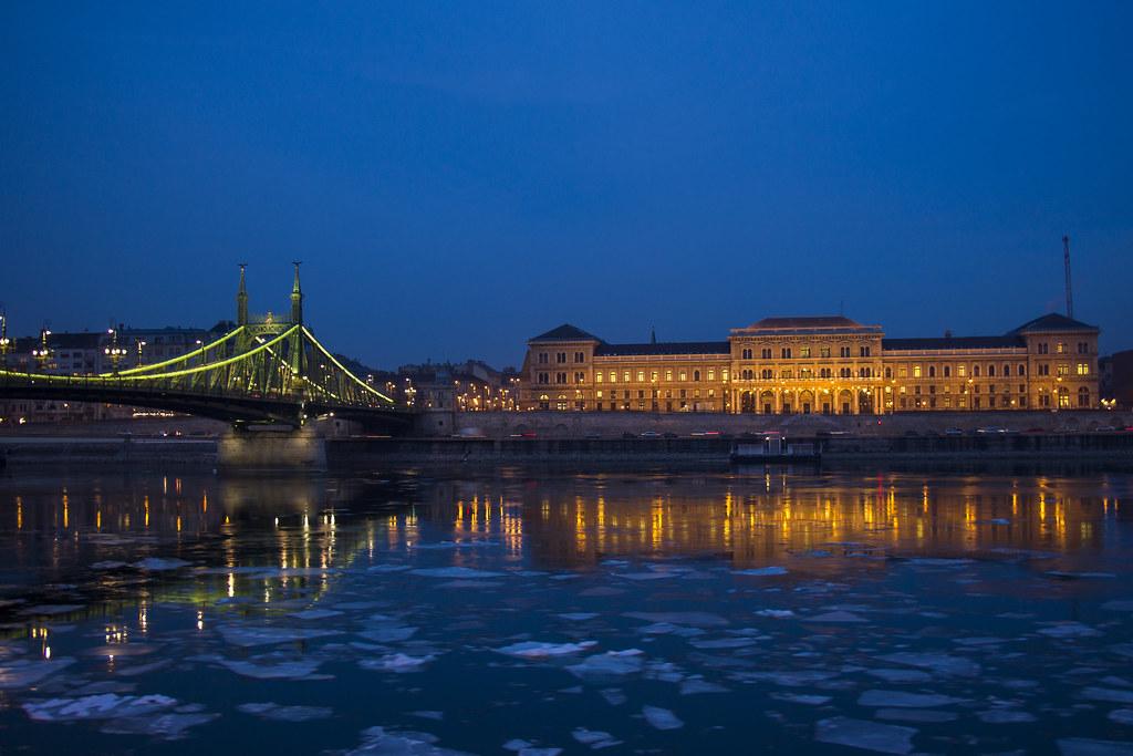 Budapest om aftenen