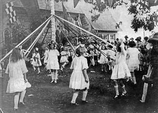 Christ Church Springwood Maypole Dance
