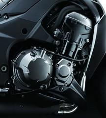 Kawasaki Z 1000 2014 - 11