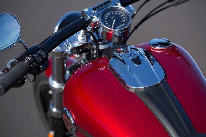 Harley-Davidson 1690 SOFTAIL BREAKOUT FXSB 2013 - 25