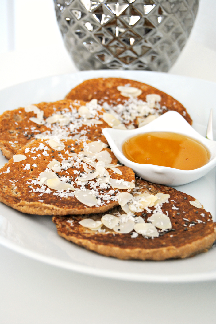 Banana and Oat Pancakes (005b)