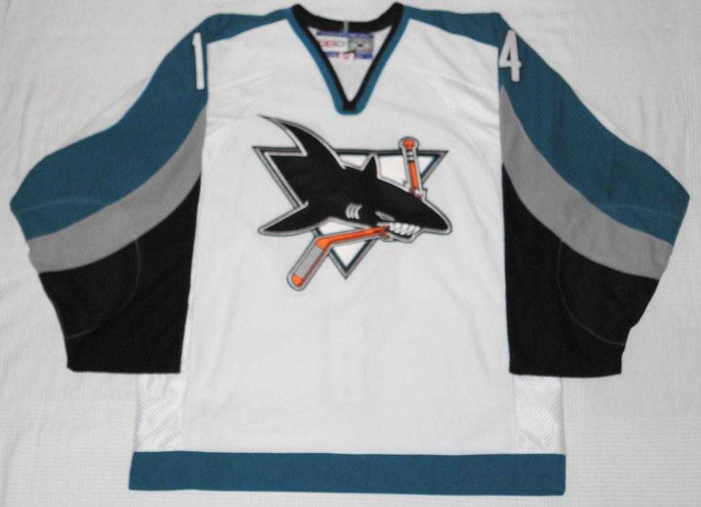 2000-01 Patrick Marleau San Jose Sharks Home Jersey Front