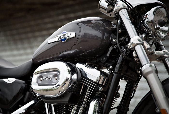 Harley-Davidson XL SPORTSTER 1200 CUSTOM 2017 - 4