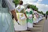 Die aufwendigen Mädchentrachten sind typisch für den Donauschwäbischen Kulturraum