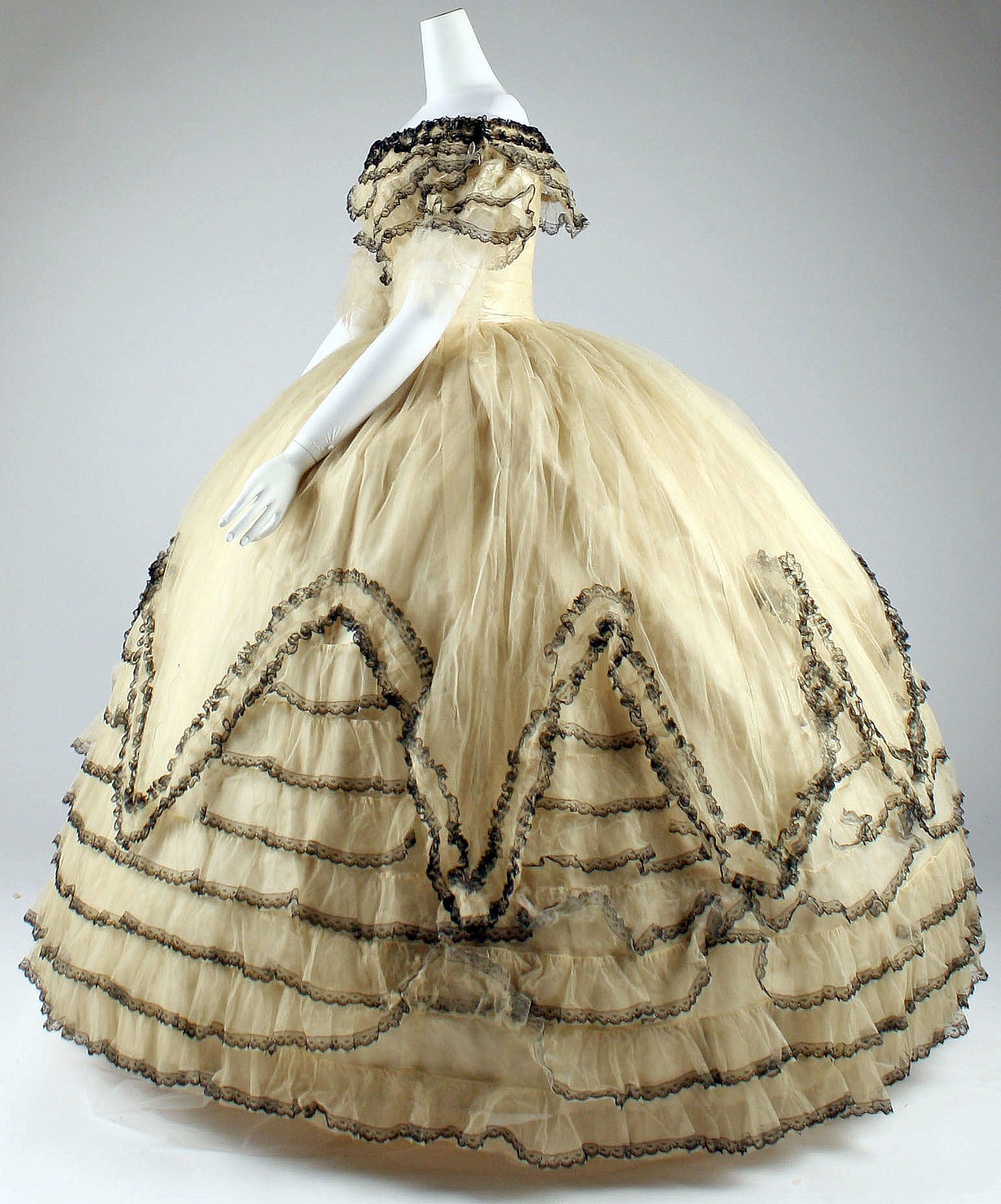 1856 Ball gown. American. Silk. metmuseum