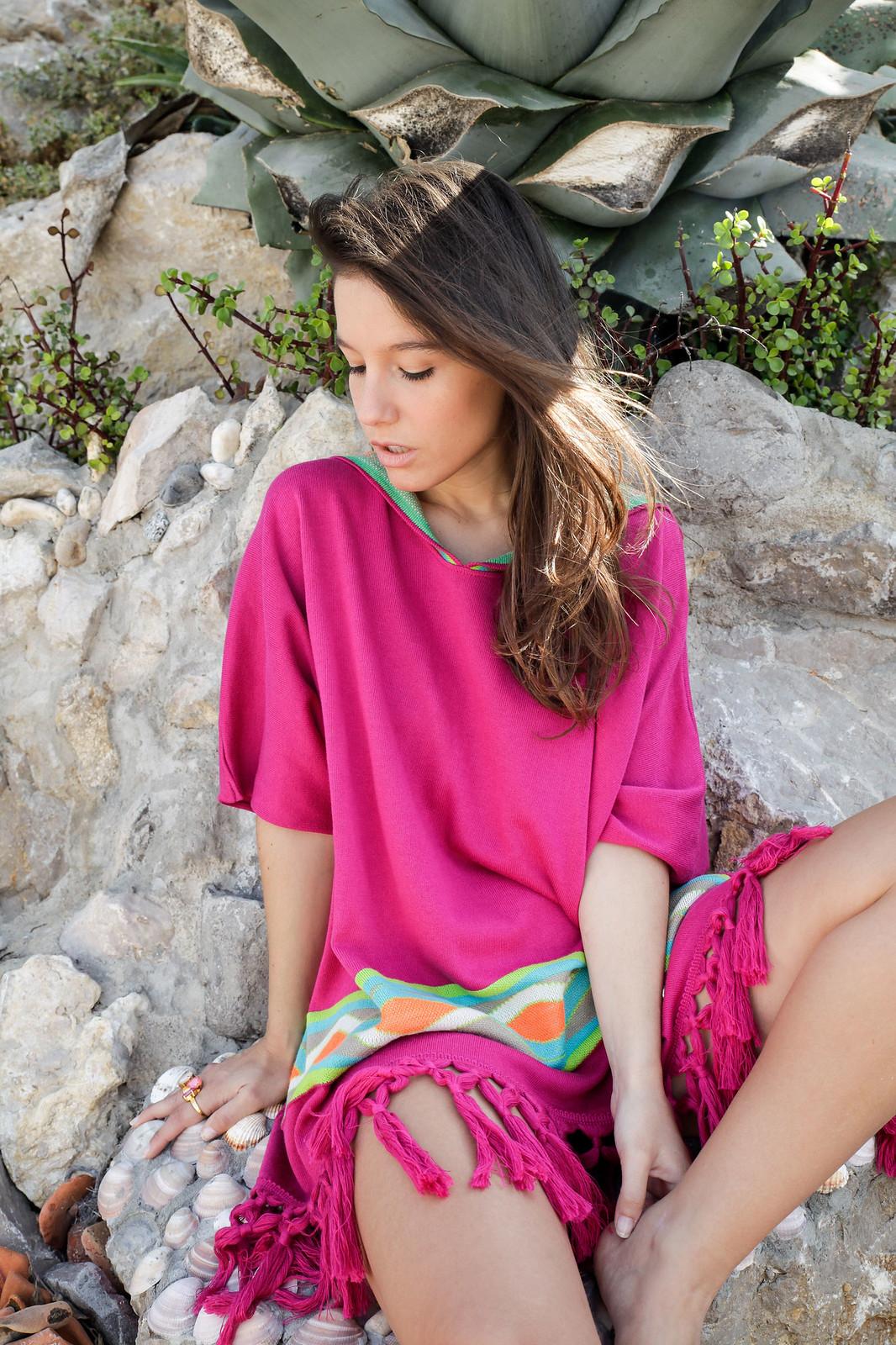 08_Poncho_rosa_RÜGA_Laura_Santolaria_Theguestgirl_Ambassador_influencer_barcelona
