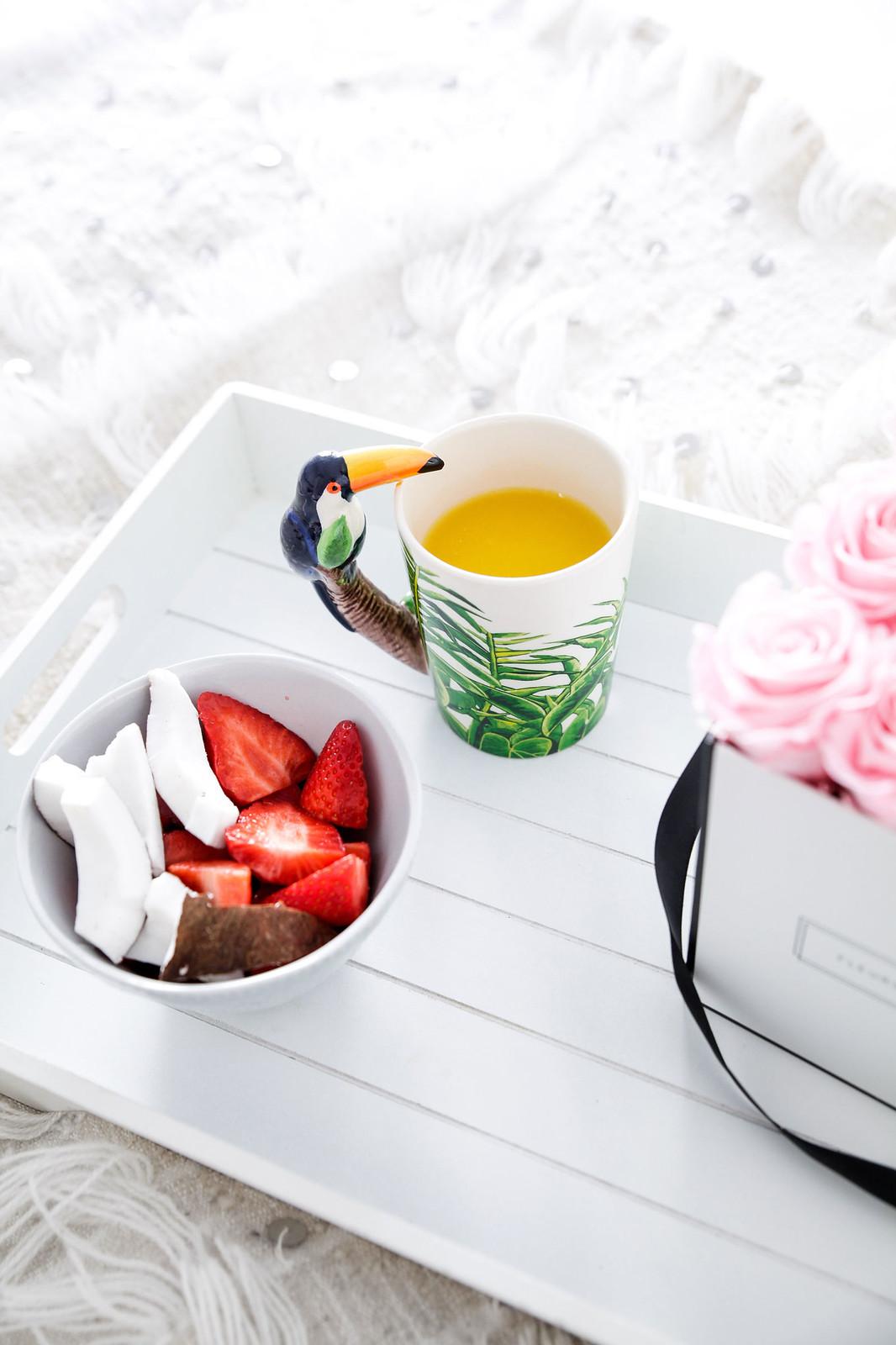 011_Desayuno_cama_breakfast_bed_Fleurs_Paris_Theguestgirl_Flowers_pink_influencer_barcelona_flores_laura_santolaria