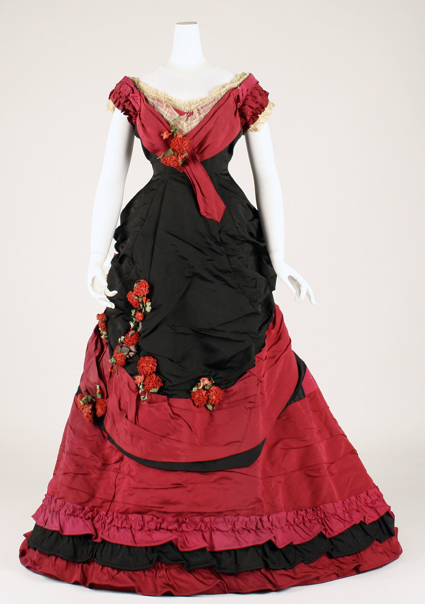 1878 Ball gown. British. Silk. metmuseum