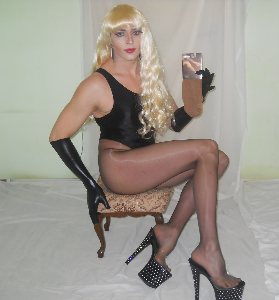 image Shemale transvestite in pantyhose nylon and sounding urethral cock in anal