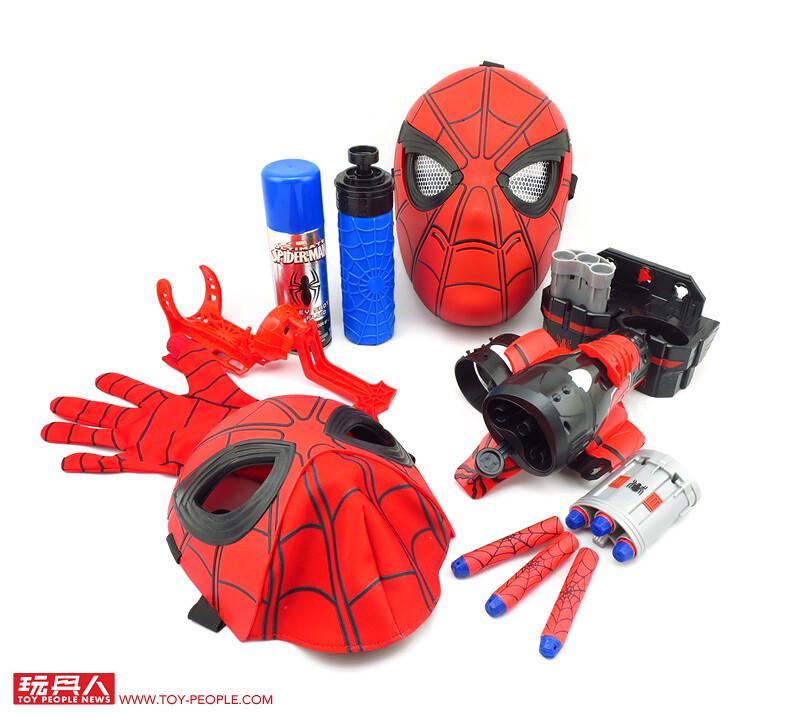 套上面罩裝上發射器、看我一秒變身超級英雄!孩之寶「蜘蛛人:返校日」扮裝系列開箱報告