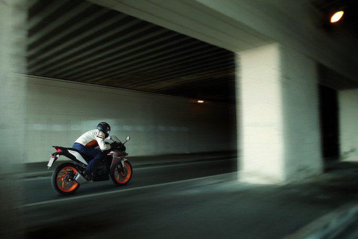 Honda CBR 125 R 2015 - 11
